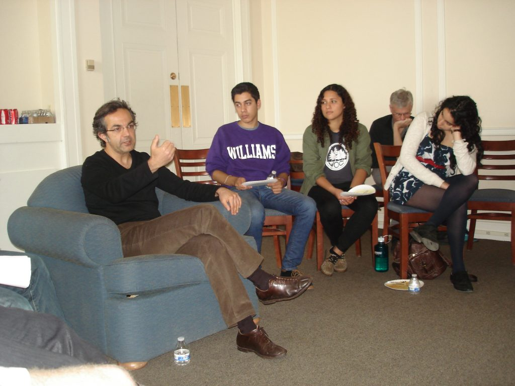 In April 2013, German faculty and students from Williams and Connecticut College held a joint discussion with Navid Kermani on his work at Connecticut College.